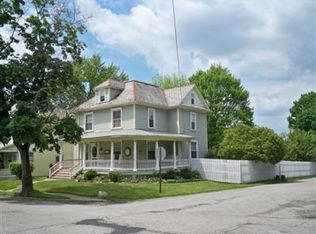 136 Garfield Ave , East Palestine OH