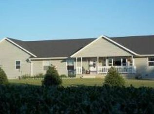 N6619 Roberts Rd , Cambria WI