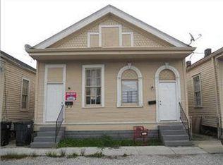 1821 Touro St , New Orleans LA