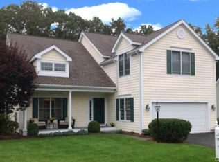 4 Black Swan Ct Unit 4, Brookfield CT