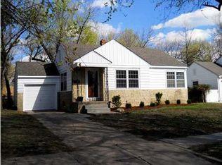 1050 N Parkwood Ln , Wichita KS