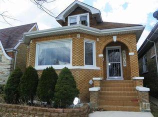 5805 W Roscoe St , Chicago IL