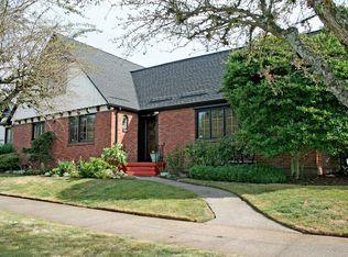 4310 NE Siskiyou St , Portland OR