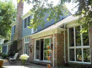 40 Colonial Rd , Grosse Pointe Shores MI