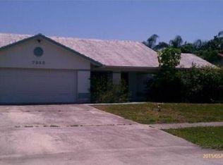 7325 Woodland Creek Ln , Lake Worth FL