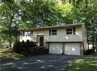 54 Clearview Dr , Spencerport NY
