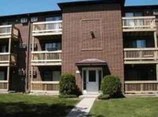 1140 Cedar St Apt 1A, Glendale Heights IL