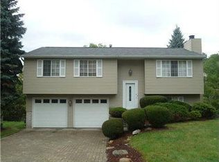 10 Crosswinds Dr , Pittsburgh PA