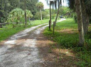 733 Crestwood Rd , Englewood FL