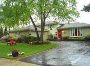 805 Bedford Ln , Libertyville IL