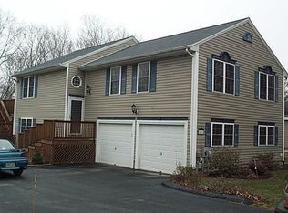 42 Golden View Dr , Johnston RI