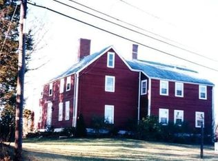 74 S Hampton Rd , Amesbury MA