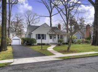 49 Colonial Rd , Midland Park NJ