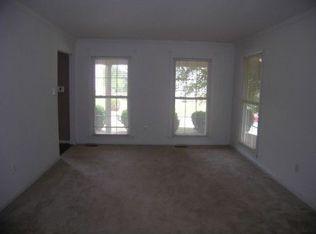 14503 Oak Cluster Dr , Centreville VA