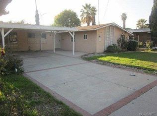 11601 Gladstone Ave , Sylmar CA