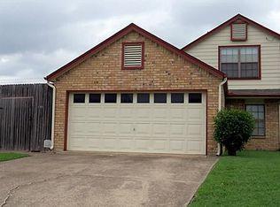 1203 White Lake Dr , Irving TX