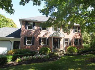 62 Red Oak Ln , Rensselaer NY
