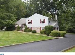 31 Crescent Dr , Holland PA