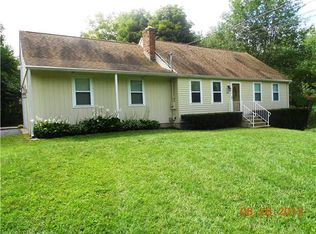 353 Twin Lakes Rd , North Branford CT