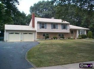 8 Bayberry Rd , Ewing NJ