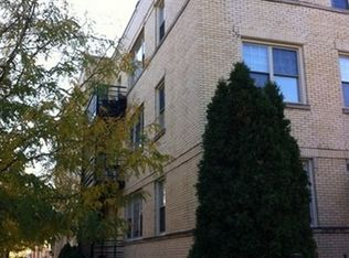 2819 W Rosemont Ave Apt 3, Chicago IL