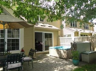 906 Ridgefield Cir Unit D, Clinton MA