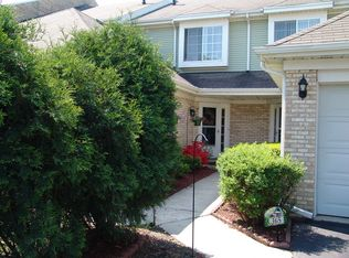 367 Lakeview Cir , Bolingbrook IL