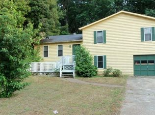 5881 Old Forrest Way , Douglasville GA