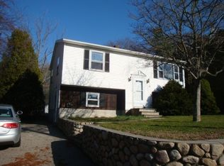 6 Hillview Dr , Westerly RI