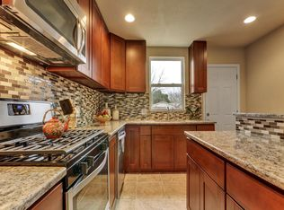 Traditional Kitchen With Ceramic Tile Amp Complex Granite