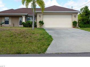 3720 NE 12th Pl , Cape Coral FL