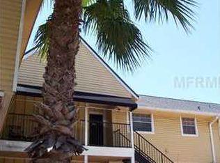 200 Country Club Dr Apt 504, Largo FL