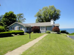 5896 Old Lake Shore Rd , Lake View NY