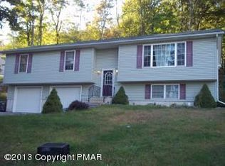 30 Old Timber Rd , Mount Pocono PA
