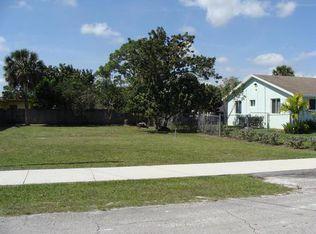 143 Caroline Dr , West Palm Beach FL