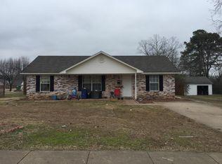 806 Louise St , Clarksville AR