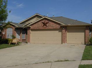 1009 Swan Cir , Saginaw TX