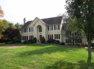 12 Vail Ct , Trumbull CT