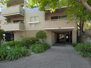 377 Palm Ave Apt 303, Oakland CA