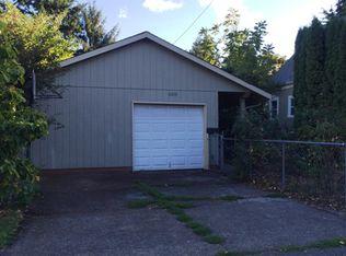 6028 SE Reedway St , Portland OR