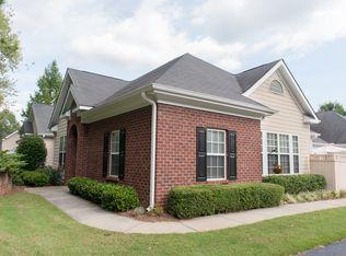 1606 Village Ln , Roswell GA