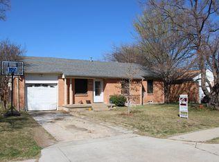 819 Belew St , Irving TX