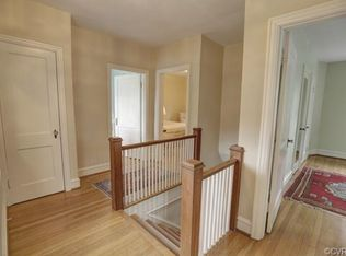 Country kitchen with hardwood floors flush in richmond for Hardwood floors richmond va