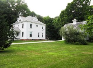 43 Pleasant St , Epping NH