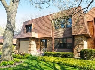 3958 Dundee Rd , Northbrook IL