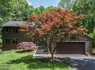 10718 Cross School Rd , Reston VA