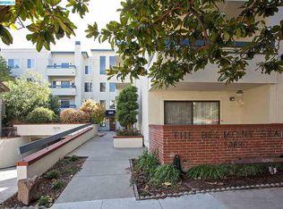 389 Belmont St Apt 409, Oakland CA