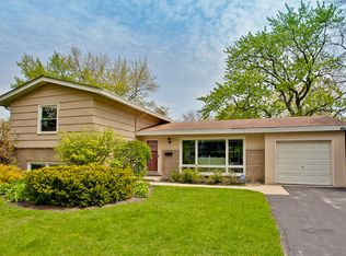 665 Timber Hill Rd , Deerfield IL
