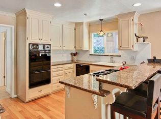 Traditional Kitchen With Simple Granite Counters Amp Drop In