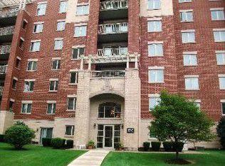 8747 W Bryn Mawr Ave Apt 608, Chicago IL